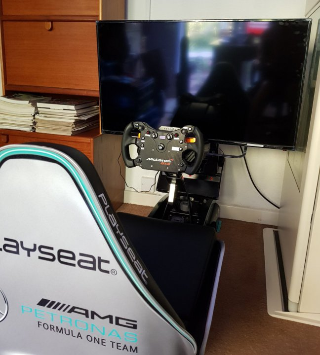 Playseat 2.jpg